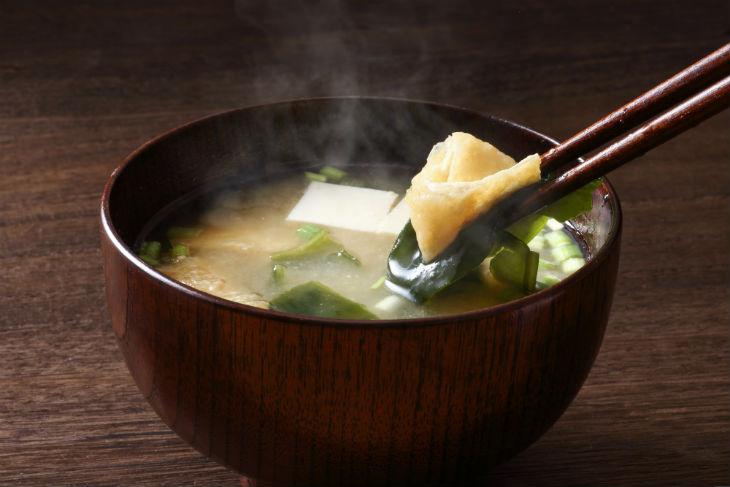 sopa de miso grande