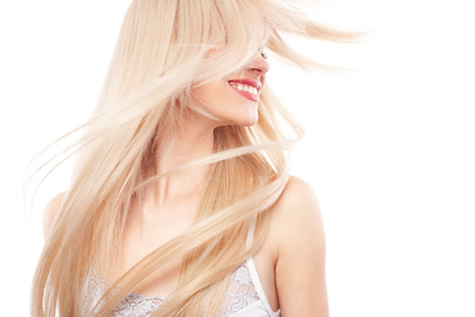 mujer rubia pelo