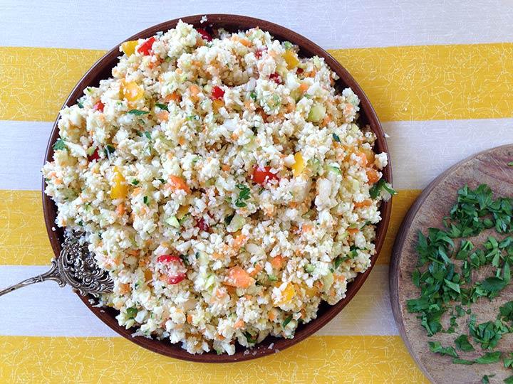 Tabulé de arroz crudivegano