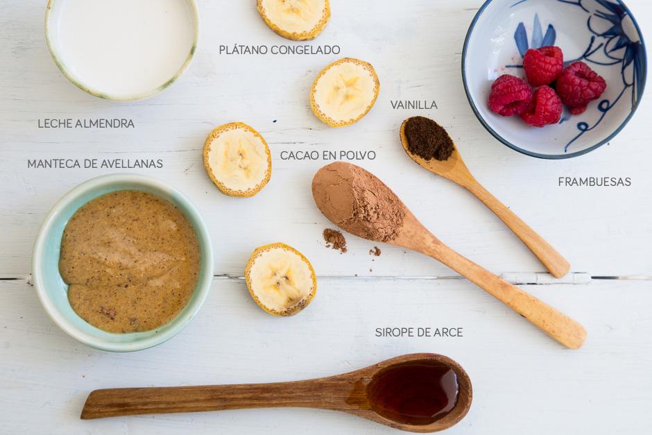 smoothie-platano-frambuesa-ingredientes-TXT-CAST