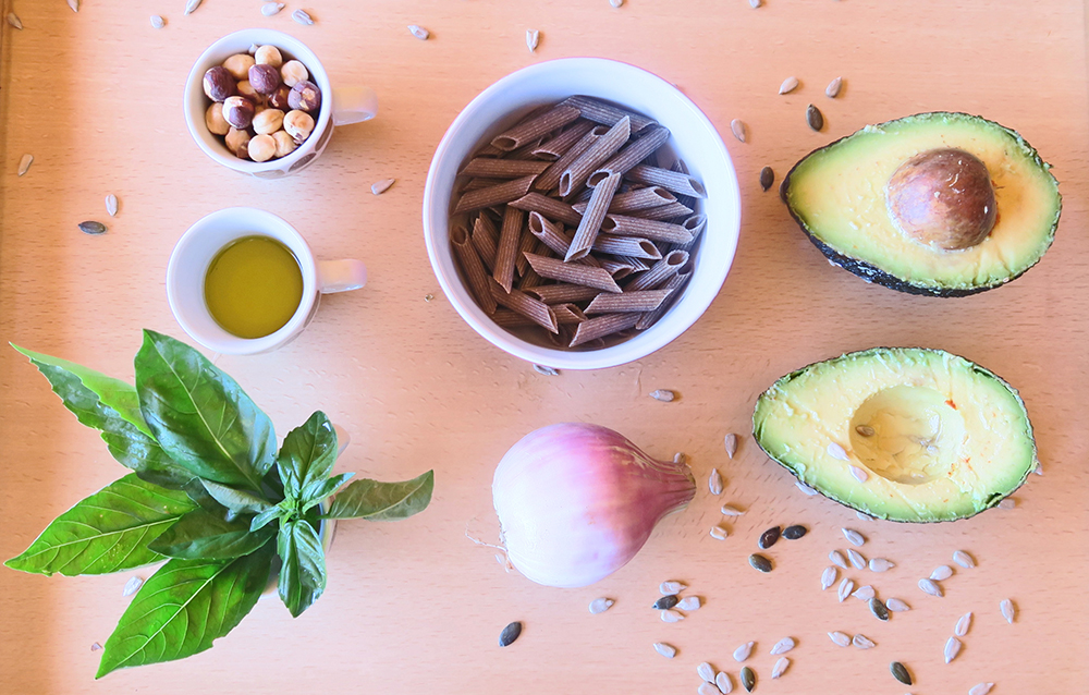 Ingredientes Macarrones de tirgo sarraceno al pesto de aguacate