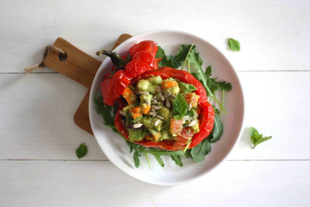 Pimiento relleno de hortalizas al toque de limón y menta