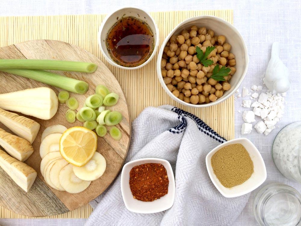 Ingredientes preparados crema de garbanzos y chirivía