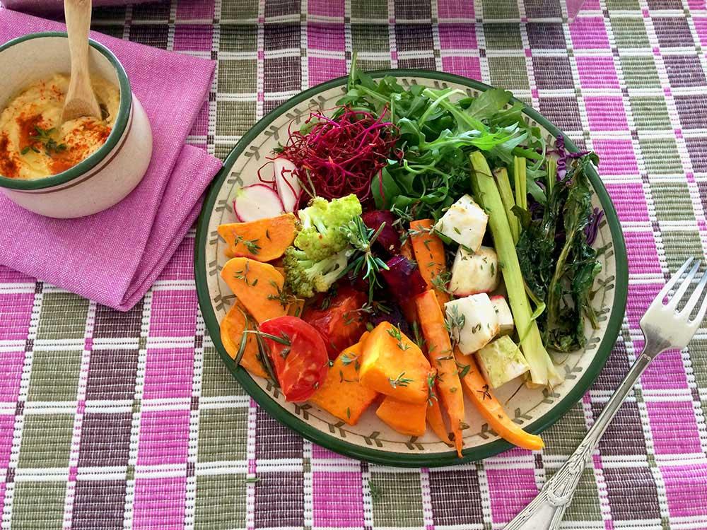 Asado de deliciosas verduras de invierno en plenitud y abundancia