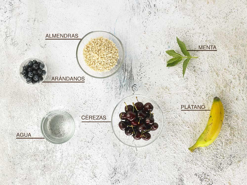 Ingredientes de la crema de almendras y cerezas