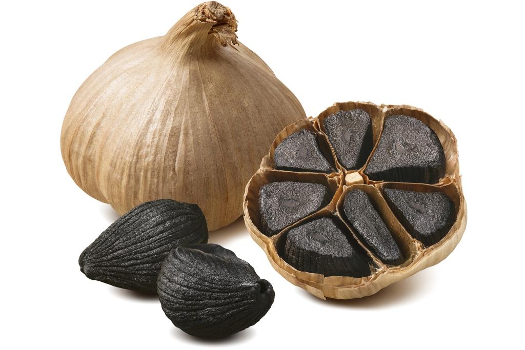 Propiedades y beneficios para la salud del ajo negro