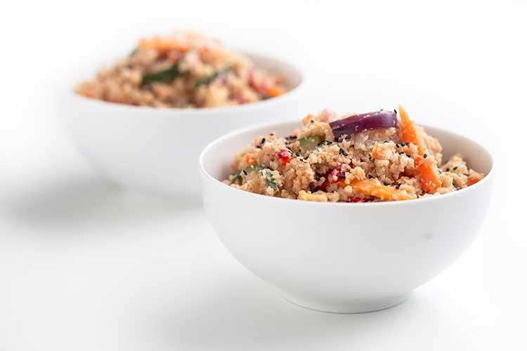 Receta arroz de coliflor al estilo asiático