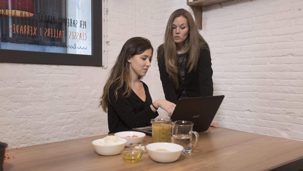 """Gina Estapé, dietista integrativa, especialista en cocina saludable y conductora del curso """"Cocina sana con robot"""""""