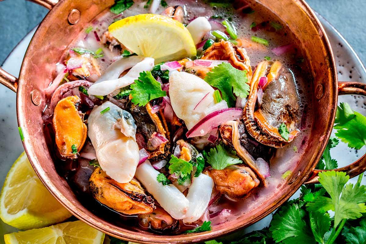 Ceviche de pescado, un plato marinado
