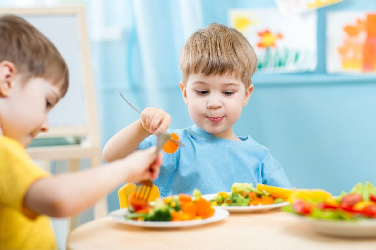 Guía alimentación saludable y económica para familias con niños