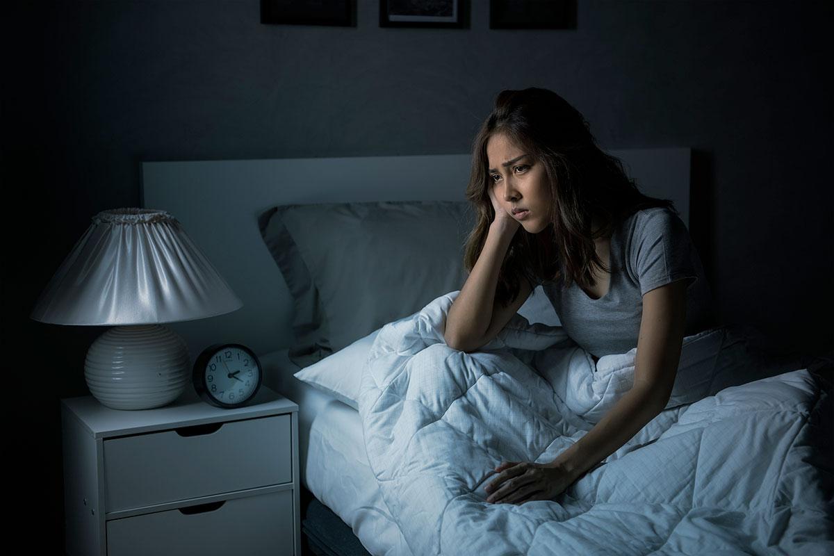 mujeres sufren más insomnio que los hombres
