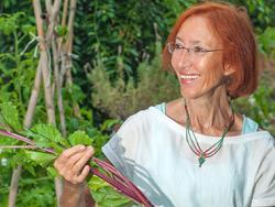 Olga Cuevas, Dra. en Bioquímica, autora de dos libros divulgativos de alimentación saludable y de tratamientos naturales.