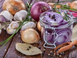 Ajos y cebollas: bioflavonoides y compuestos de azufre contra el cáncer
