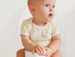 ¿Cómo deben ser las deposiciones en el primer año de vida?