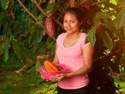 Alianza entre Oxfam Intermón y Veritas para desarrollar productos ecológicos y de comercio justo