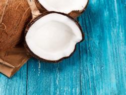 Kéfir de coco: qué es y por qué deberías beber más