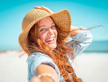 Disfrutar del sol evitando el envejecimiento prematuro de la piel