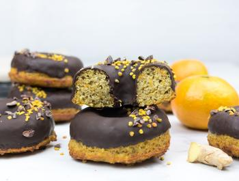 Donuts de zanahoria y jengibre con toque de mandarina