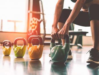 El deporte de fuerza es muy beneficioso para perder peso y reducir dolores menstruales