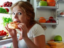 10 estrategias para sentirnos saciados sin comer en exceso