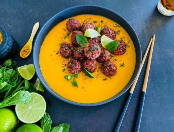Albóndigas de primavera con salsa Garden-Thai