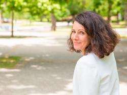 Vivir en vecindarios con más zonas verdes podría retrasar la aparición de la menopausia 1,4 años