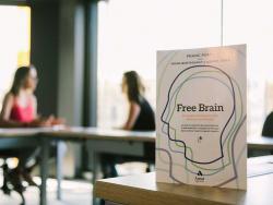 """Moira Bortagaray, profesora asociada de la escuela de negocios EADA de Barcelona y co-autora de """"Free Brain"""""""