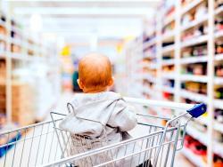 """""""Mi primer veneno"""" destapa el gran timo de la alimentación infantil industrial"""
