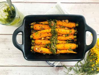Crujiente de zanahorias asadas y pesto