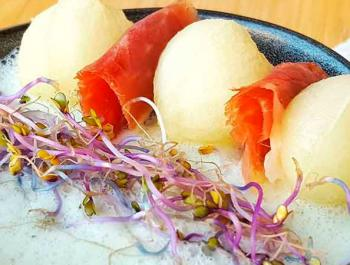 Sopa fría de melón con pepino y yogur