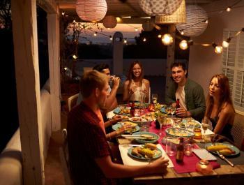 El ABC de las cenas saludables de verano con amigos