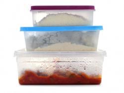 Ingerimos tóxicos a través de los plásticos de los alimentos