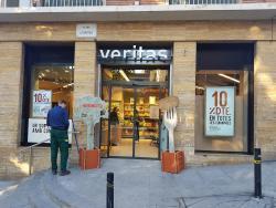 Veritas abre nuevas tiendas en Horta y El Masnou